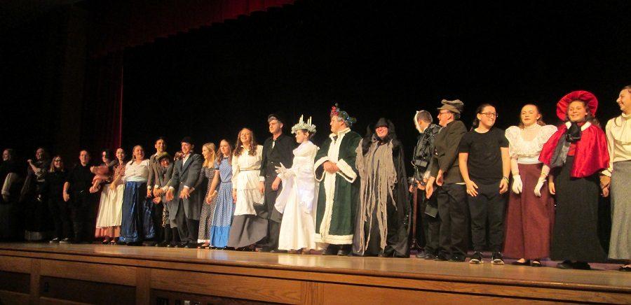 Drama Club Brings Spirit of Christmas to Life