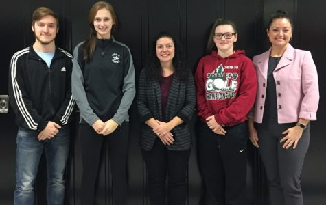 Alumni share college experiences with seniors