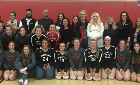 Volleyball hosts Teacher Appreciation Night