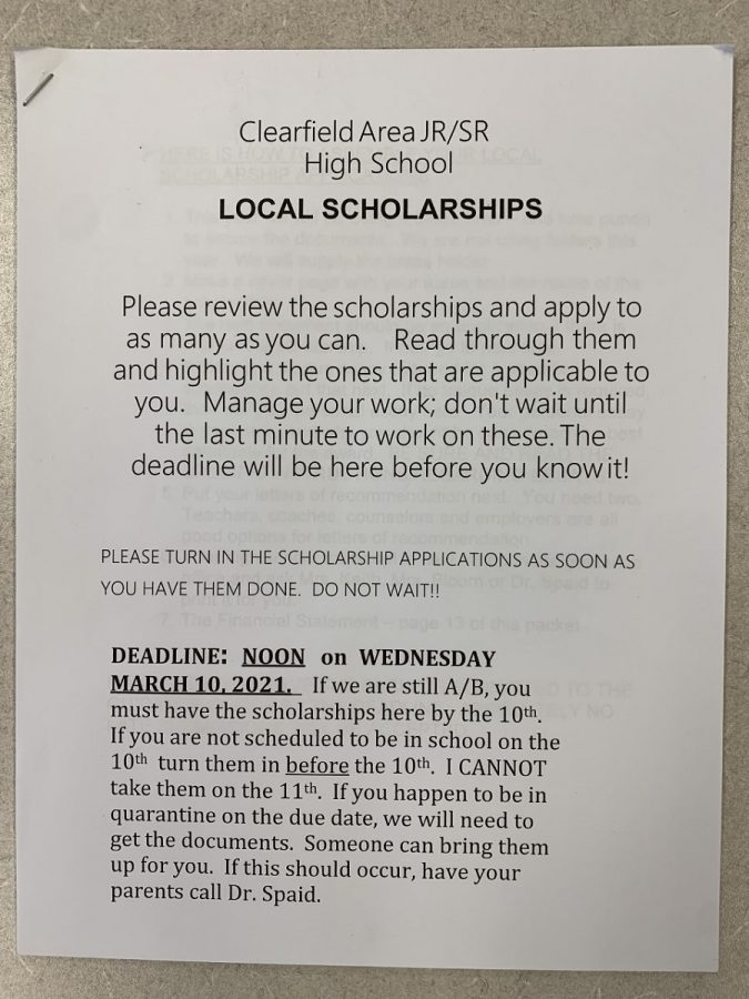 Scholarship packets become available to seniors