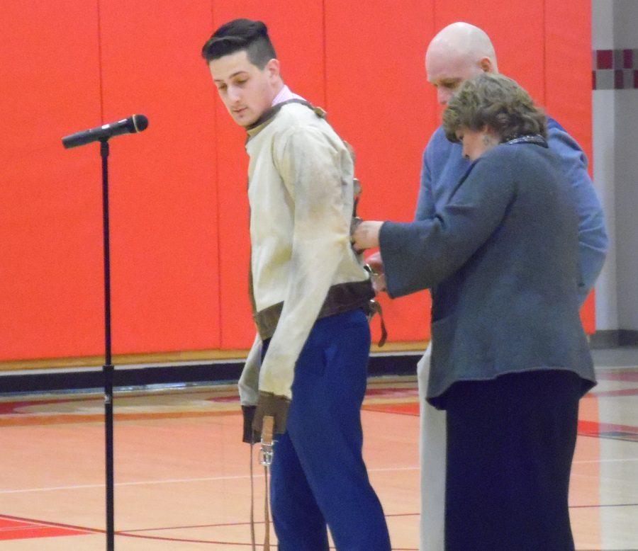 Magician Raises Awareness about Teen Depression