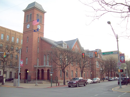 Clearfield County Courthouse (wikipedia.org)