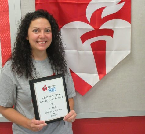 Mrs. Borden and the national American Heart Association award.