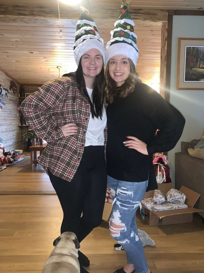 Kendyhl Luzier and her cousin on Christmas.
